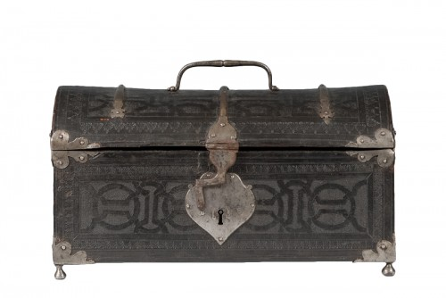 A leather casket. France, 16th century.