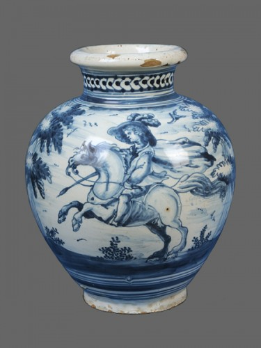 Porcelain & Faience  - A pair of Talavera de la Reina vases, around 1750