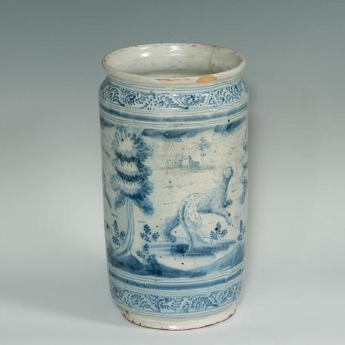 A large Talavera de la Reina albarello, Spain, around 1730 - Porcelain & Faience Style