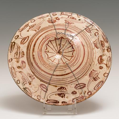 <= 16th century - A lusterware plate. Manises Circa 1550