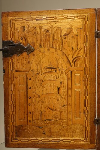 Antiquités - 17th Century German Cabinet with a Floral and Archectural Decoration