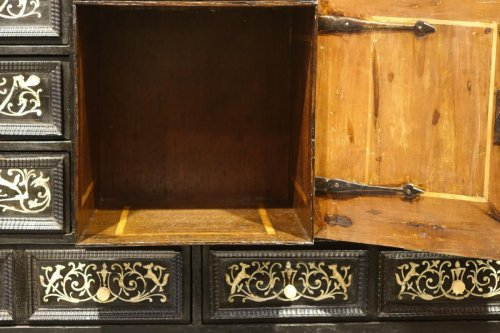 17th Century Ebonized Wood Cabinet with Inlay, Northern Italy - Louis XIII
