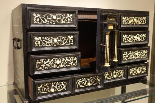 Antiquités - 17th Century Ebonized Wood Cabinet with Inlay, Northern Italy