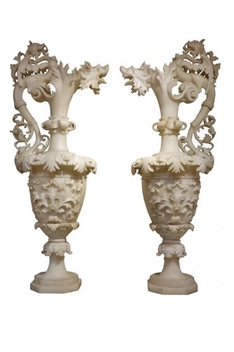 Pair of alabaster ewers, Italy, 19th century