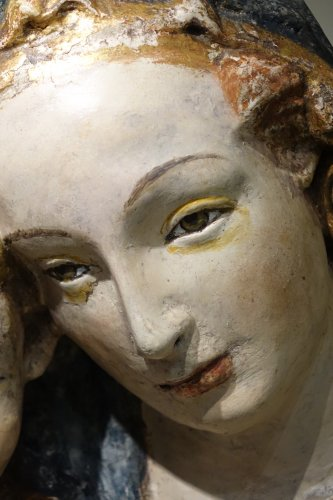 15th Century Polychrome and Parcel-Gilt Stucco Relief of the Madonna and Ch - Renaissance