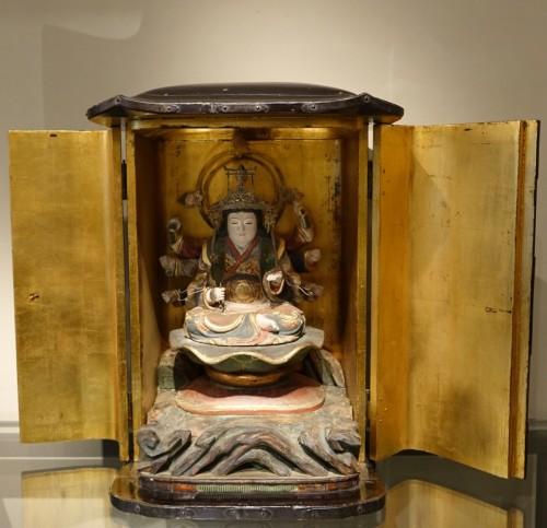Antiquités - Japanese altar in lacquer, Edo Period (1603-1868)