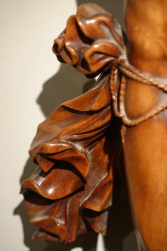 Antiquités - Large Christ on the cross in fruitwood, France 18th century circa 1740