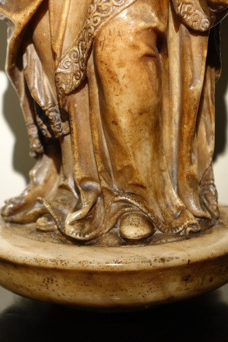Virgin and Child in Alabaster, Flanders, 17th Century - Religious Antiques Style