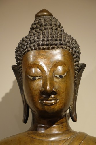 Large Bronze Bouddha, Northern Thailand, First Half of the 19th Century - Asian Art & Antiques Style