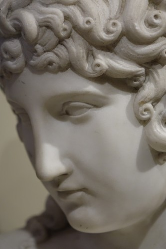 Sculpture  - A Bust Sculpture in Carrara Marble, French Neoclassical School, circa 1800-