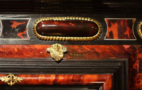 Antiquités - Mirror in tortoise shell, Anvers, 17th century