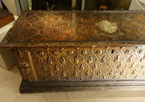 Furniture  - Large wedding cassone in pastiglia, Italy 15th century
