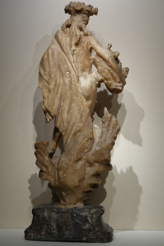 Alabaster Statue of the Goddess Flore, Flemish, 17th Century - Sculpture Style Louis XIII