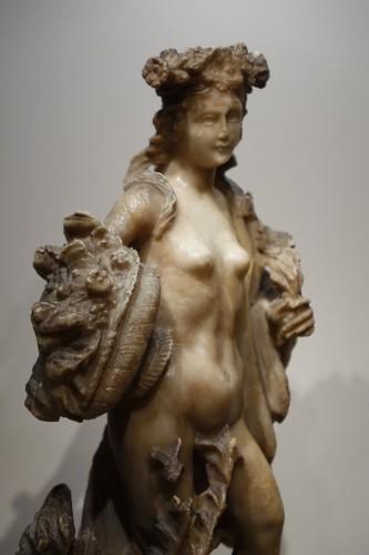 Antiquités - Alabaster Statue of the Goddess Flore, Flemish, 17th Century