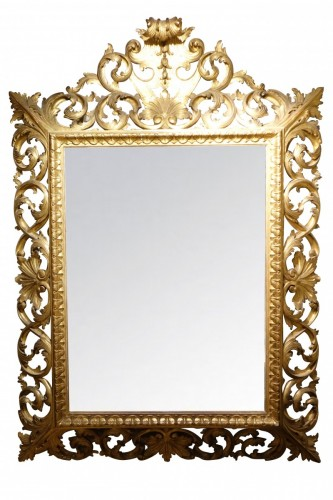 Important Italian 19th c.pediment giltwood mirror
