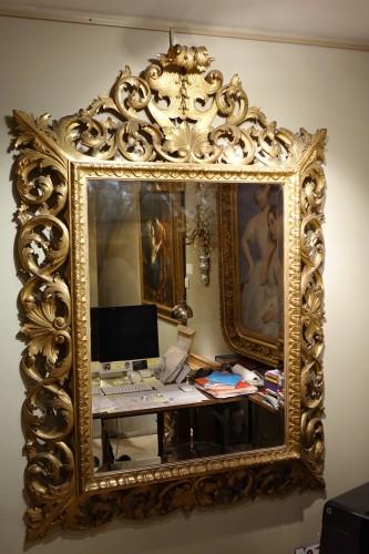 Important Italian 19th c.pediment giltwood mirror -