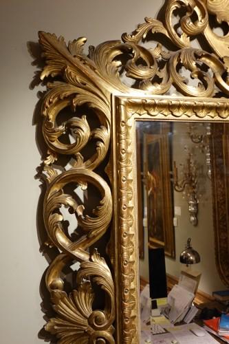 19th century - Important Italian 19th c.pediment giltwood mirror