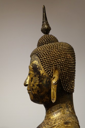 Antiquités - Buddha sitting in the position of Bhumisparsa mudra, Thailand19th century
