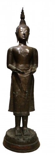 A huge standing bronze Bouddha,Northern Thailand 19th century