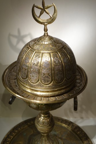Louis-Philippe - Very large silver inlaid brass perfume burner, Egypt 19th century