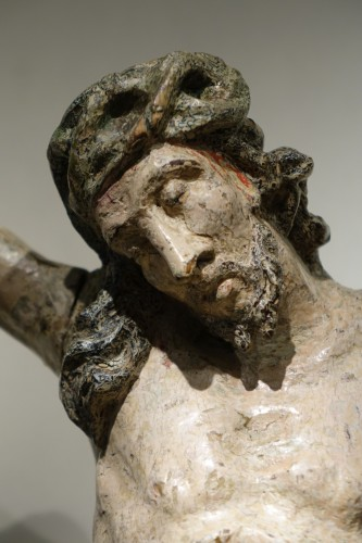 Antiquités -  Large Christ  in lacquered  wood, France 18th century