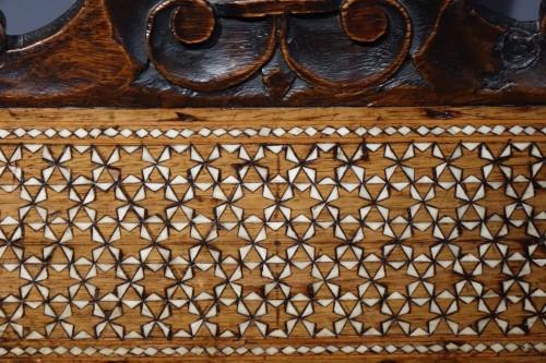 "Large walnut armchair with "" a certosina"" ornamentation, Italy, circa 1830. - Restauration - Charles X"