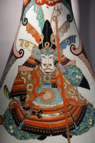 Asian Art & Antiques  - Large vase with Samurai motifs - Japan Meiji period