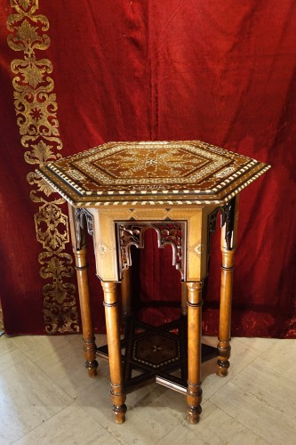 Hexagonal table with geometrical decorations,Egypt or Syria,circa 1930 - Furniture Style Art Déco