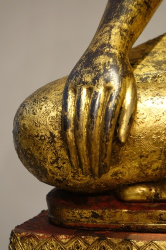 19th century - A huge bronze Bouddha on his base , Thailand,2nd half of the 19th c.