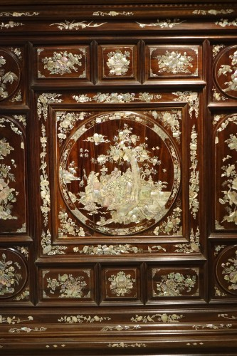 Pair of mother on pearl Indochinese cabinets, circa 1890. -