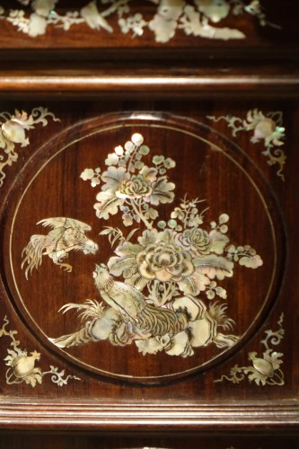 Antiquités - Pair of mother on pearl Indochinese cabinets, circa 1890.