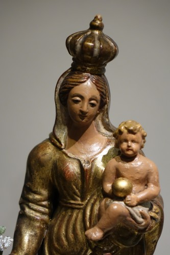 A  gilt polychrome terracotta Virgin and Child , Italy, 18th c. - Sculpture Style Louis XV