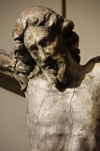 Religious Antiques  - Large Christ in carved wood rechampi, Italy 16th-17th century