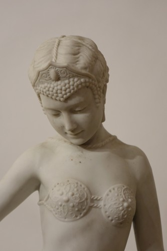 Porcelain & Faience  - Young dancer dressed in oriental style - Biscuit porcelaine signed E. Gazan