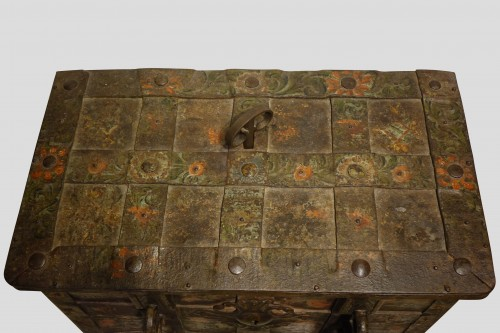 "A"" Nuremberg Chest Safe"",Germany 17th century - Louis XIII"