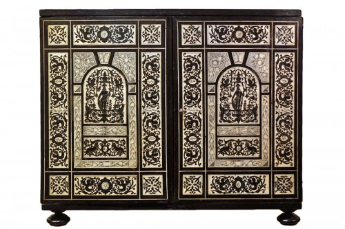 Cabinet in ivory and rosewood, Germany, 17th century