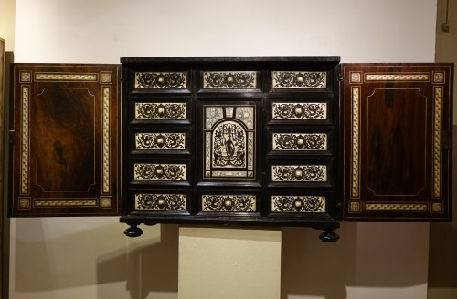 Cabinet in ivory and rosewood, Germany, 17th century - Furniture Style Louis XIV