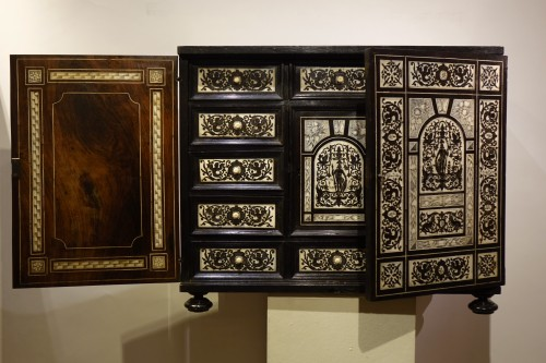Furniture  - Cabinet in ivory and rosewood, Germany, 17th century
