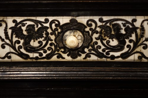 Louis XIV - Cabinet in ivory and rosewood, Germany, 17th century