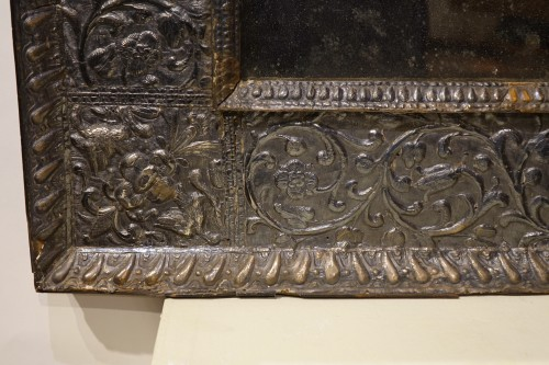 Mirrors, Trumeau  -  A sculpted wood mirror with a silver sheet applied. Venice,16th century
