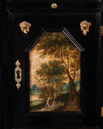 Louis XIII - Antwerp cabinet with painted interiors, Flanders, 17th c.