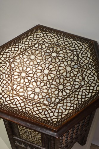 19th century - Hexagonal table in cedar and mother-of-pearl,Syria, late 19th c.