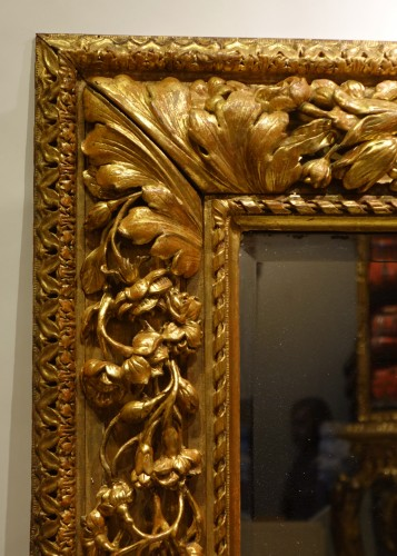 Carved and giltwood mirror, France 18th century - Mirrors, Trumeau Style French Regence