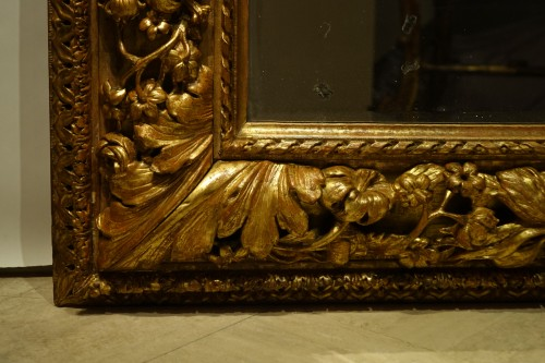Mirrors, Trumeau  - Carved and giltwood mirror, France 18th century