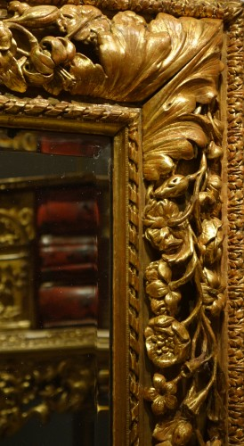 Carved and giltwood mirror, France 18th century -