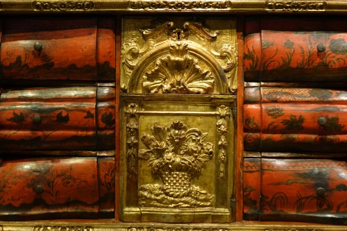 Furniture  - Painted wood and gilded wood cabinet, 18th century Venice