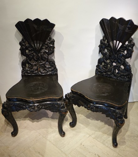 Antiquités - Pair of fan-shaped chairs, Japan, circa 1900