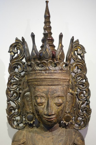 Large lacquered wood Buddha, Shan States style, Burma, 19th c. - Sculpture Style
