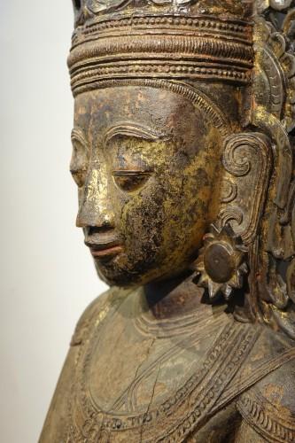 Large lacquered wood Buddha, Shan States style, Burma, 19th c. -