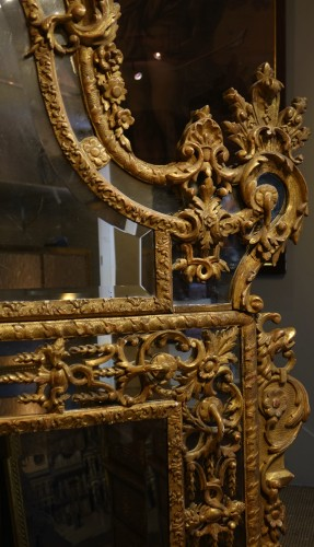 Very large gilt wood Regency period mirror, France, circa 1720 - Mirrors, Trumeau Style French Regence